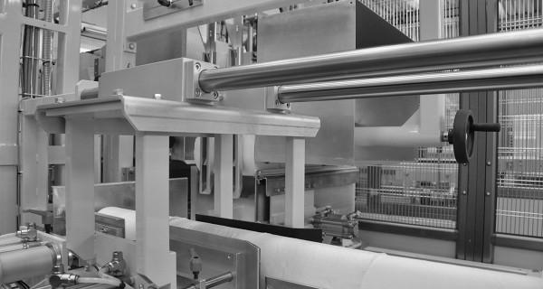 MICROLINE: Encartonneuse horizontale pour rouleaux | Horizontale Kartoniermaschine für Rollenprodukte | Embaladora en cajas en horizontal para rollos